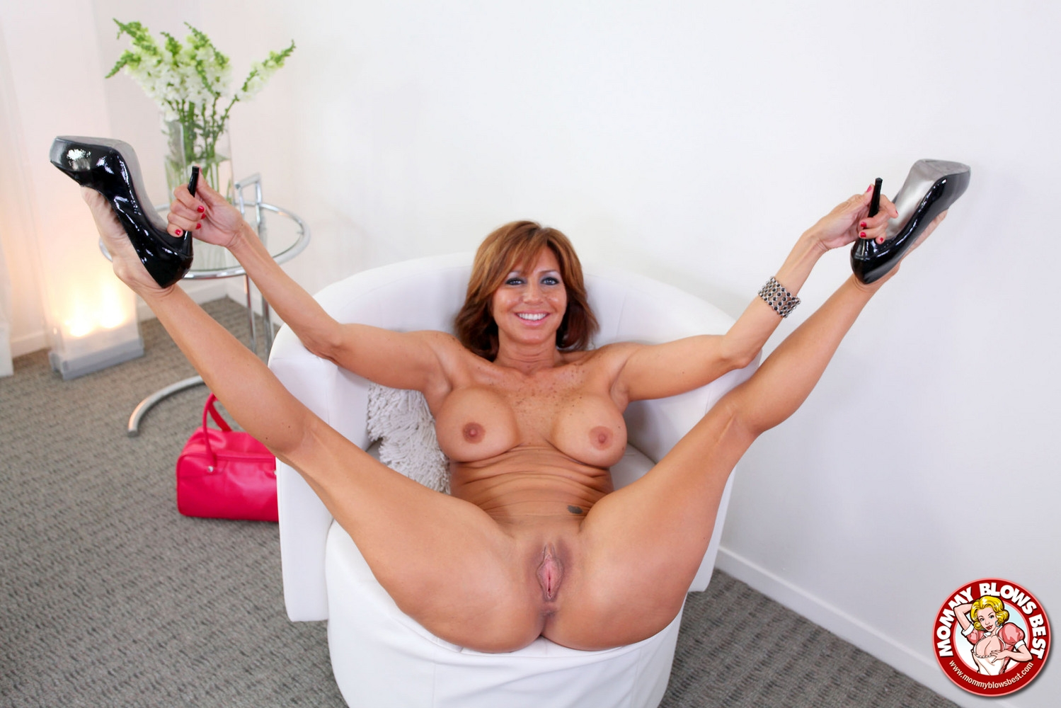 Latina mom back for more dick in the living room 1