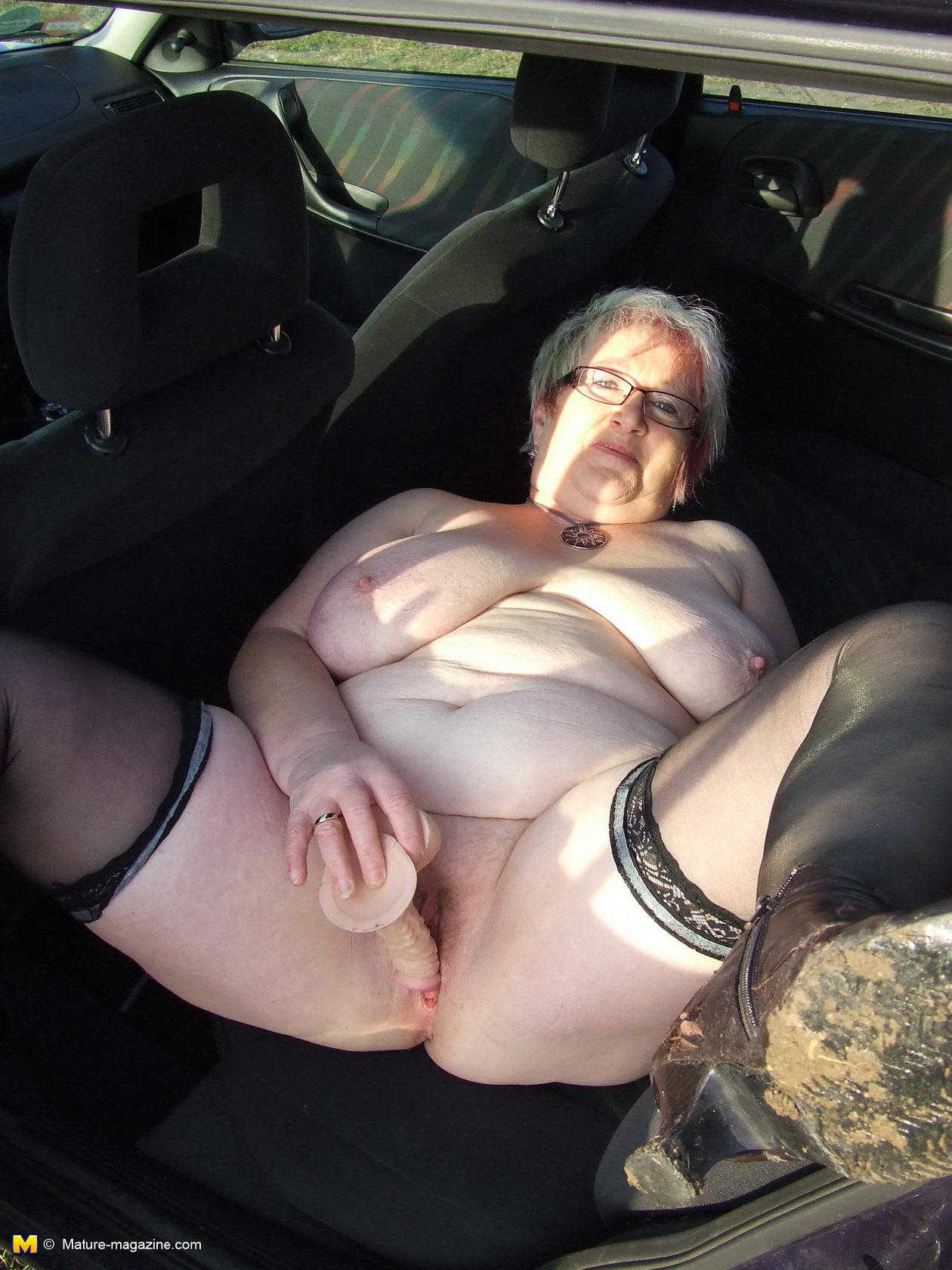Секс с резиновым пенисом секс 14 фотография
