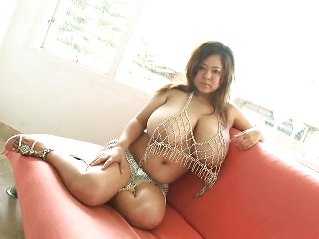 самые большие сиськи у порно актрис азиатки