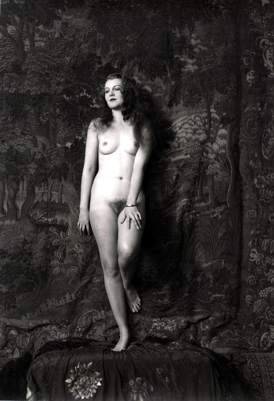 Фото голых женщин 1930 года 11 фотография