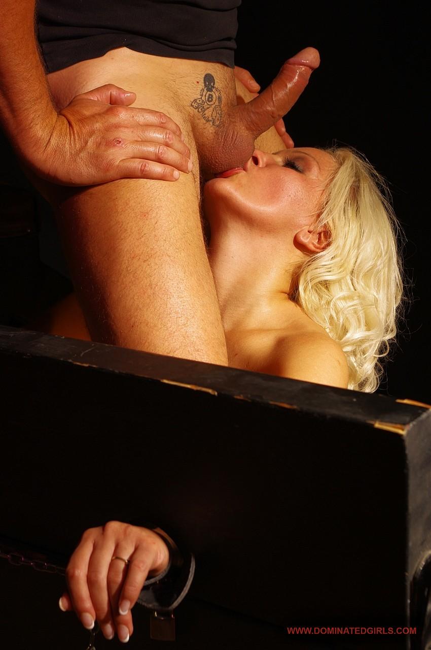 stulchik-eroticheskoy-literaturi