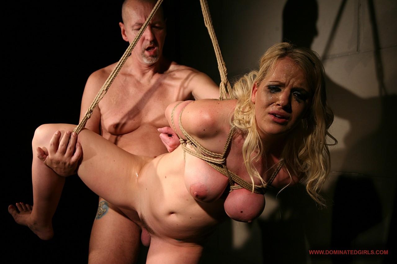 Связал и жёстко трахнул девушку, Порно Бондаж -видео. Смотреть порно онлайн! 3 фотография