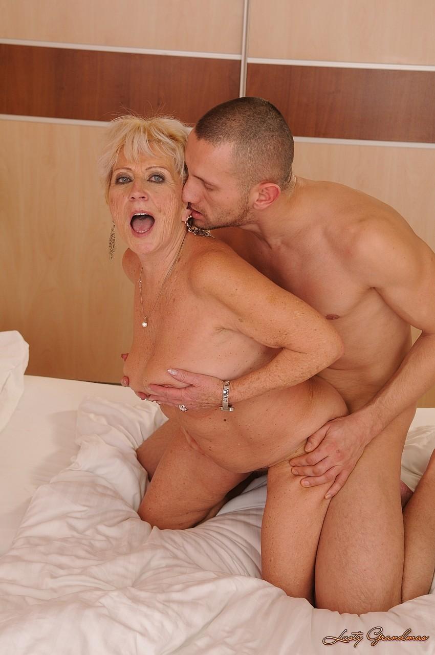 Кончают Внутрь (Кремпай) Порно и Секс Видео Смотреть ...