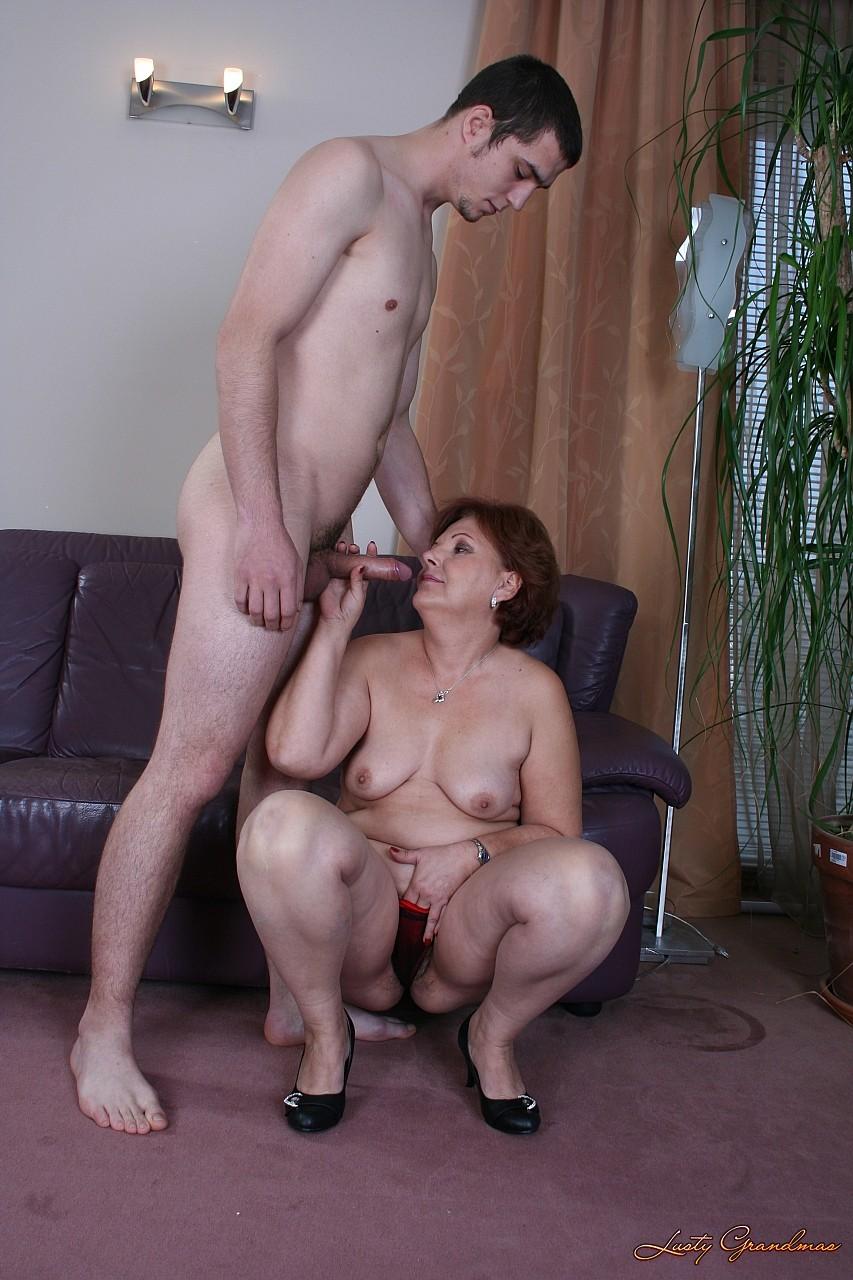 Порно инцент мамаш с сыновьями фото бесплатно