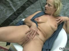 old-blonde-lesbian-rubs-her-cunt-part3