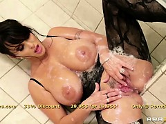 glorious-brunette-milf-holly-halston-is-ass-fucked