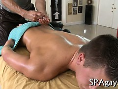 raucous-massage-with-gays