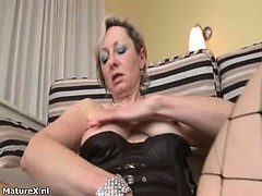 dirty-mature-woman-goes-crazy-part4