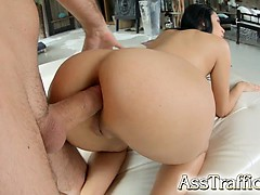 the-big-natural-breasts-and-bubble-butt-of-kyra-jiggle-as
