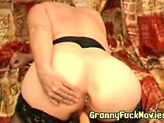 granny-is-getting-toy-fucked