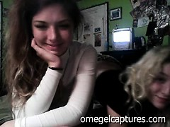 omeglecaptures-teen-girls-2-lesbian