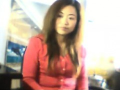 chinese-girl-flashes-her-tits