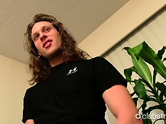 awesome-straight-nikka-masturbating