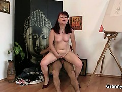 oldie-likes-painting-and-hard-cocks