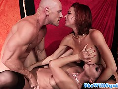 squirting-pornstar-nora-noir-pounded