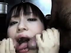 japanese-schoolgirl-blowing-cock