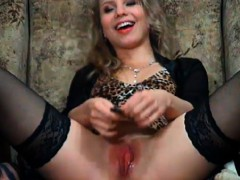 hot-blonde-makes-her-tight-pink-pussy-wet