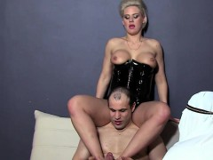 mistresses-arab-foot-worship-cuckold-and-eating-cum