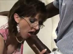 lady-sonia-sucks-black-dick