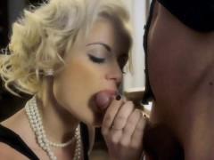 Blonde O Blonde Blowjob milf