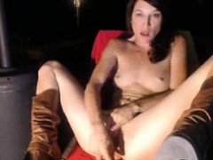 sexy-milf-babe-fucks-her-creamy-pussy-until-she-squirts-1