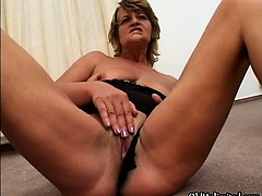 horny-old-slut-gets-horny-rubbing-her-part2