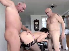 anal-sex-from-two-guys-for-mature-british-lady