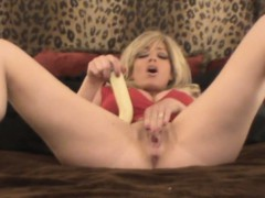 Squirting Milf Is A Wild Woman!