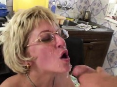 mature-in-glasses-fucks