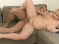 sexy-bbw-picks-up-him-for-play
