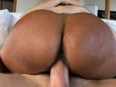 horny-girlfriend-homemade-facial