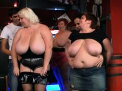 huge-boobs-bbw-have-fun-in-the-bar