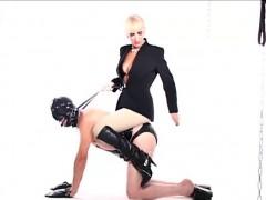 alexandra-gets-blindfolded