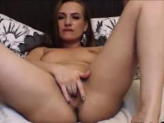 beautiful-girl-masturbates-in-webcam-chat-sex-room