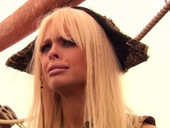 Busty pornstar Carmen Luvana fucked closeup