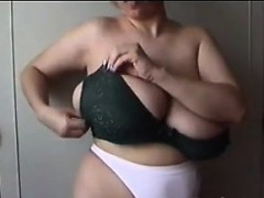 showing-off-very-large-and-saggy-breasts