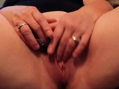wife-playing-with-herself