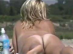 naked-mothers-at-the-beach-compilation