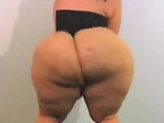 bbw-with-a-massive-ass-posing-for-the-camera