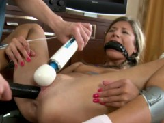 female-ejaculation-for-this-blonde