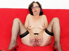 tease-and-cougar-solo-in-addition-to-a-sexy-ripe