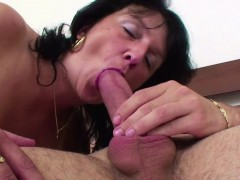 48yr old step-mom caught german step-son and helps with fuck – نيك الطيز