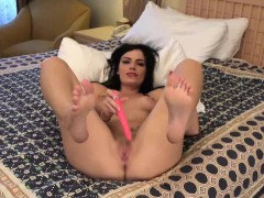 Hot Latina Shows Her Sexy Feet