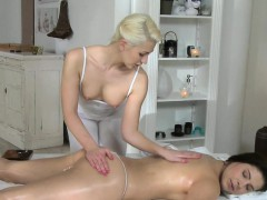 blonde-masseuse-fingers-brunette-customer