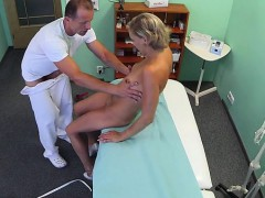 busty-girl-spanking