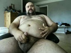 danish-guy-bear-doing-another-jerkoff-with-a-shot