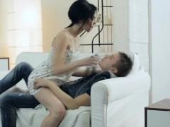 hot-chick-seducing-her-man