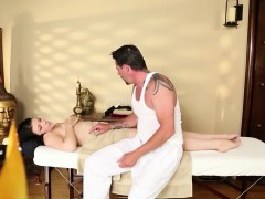 great-massage-room-with-amazing-beauties