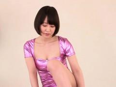 flexible-japanese-babe-stimulated-with-toys