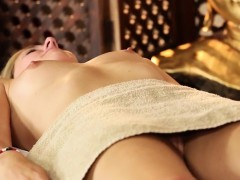 very-tricky-spa-of-delicate-masseur